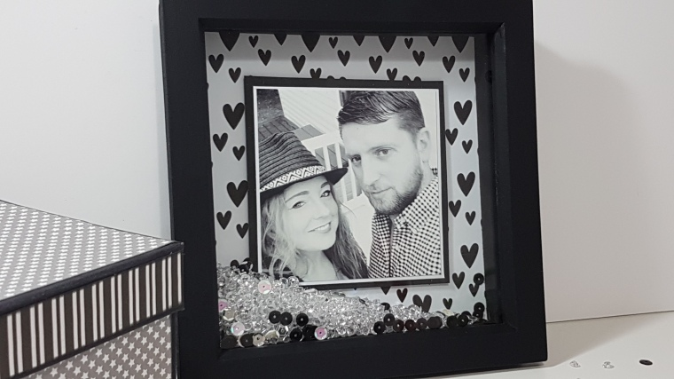 Black Heart Picture Shaker Frame.jpg